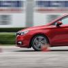 评测2018款绅宝D50刹车距离测试及2018款绅宝D50绕桩测试
